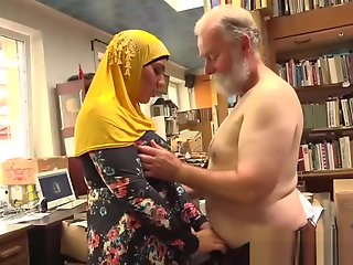 owner, bookstore, fucks, happy, muslim, milf