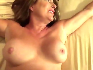 hotelbed, sharing, mom, , ,